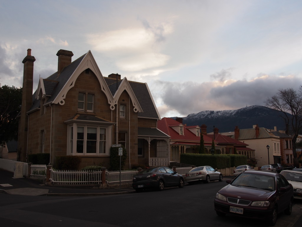 Battery point buildings with a backdrop of Mount Wellington.
