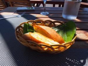 Basket of garlic bread.