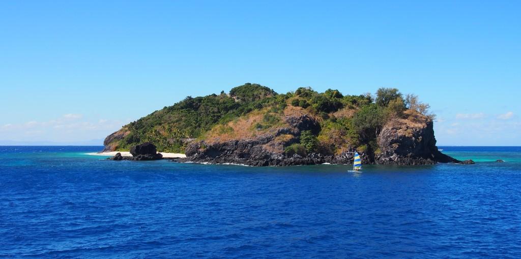 Sailing around Matamanoa.