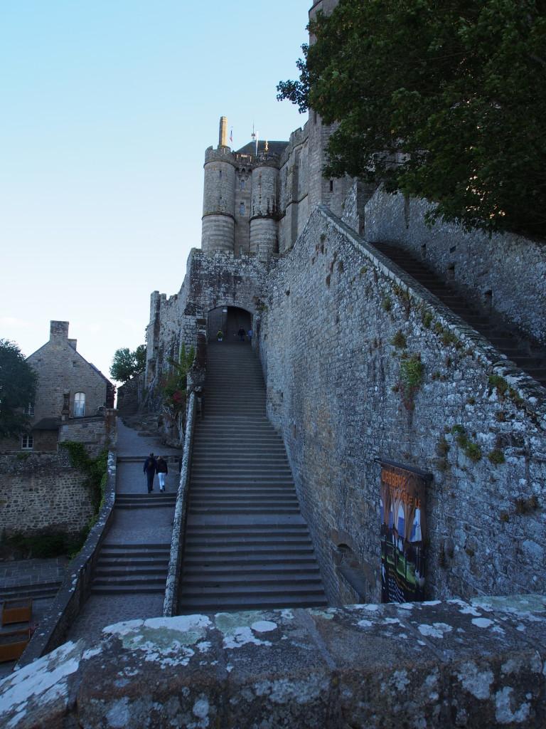 Many stair ways like a maze.