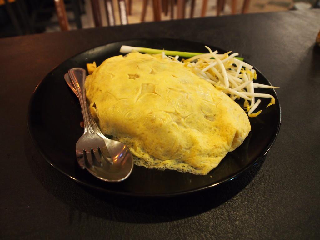 Omelette Phad Thai.