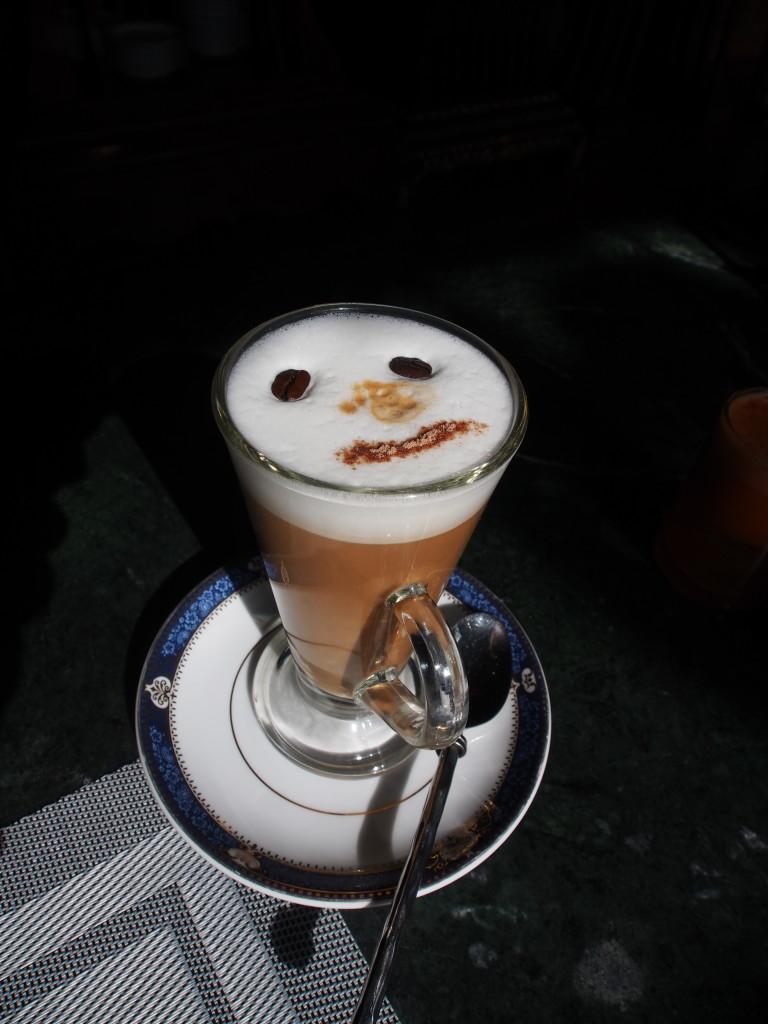 Latte smiley.