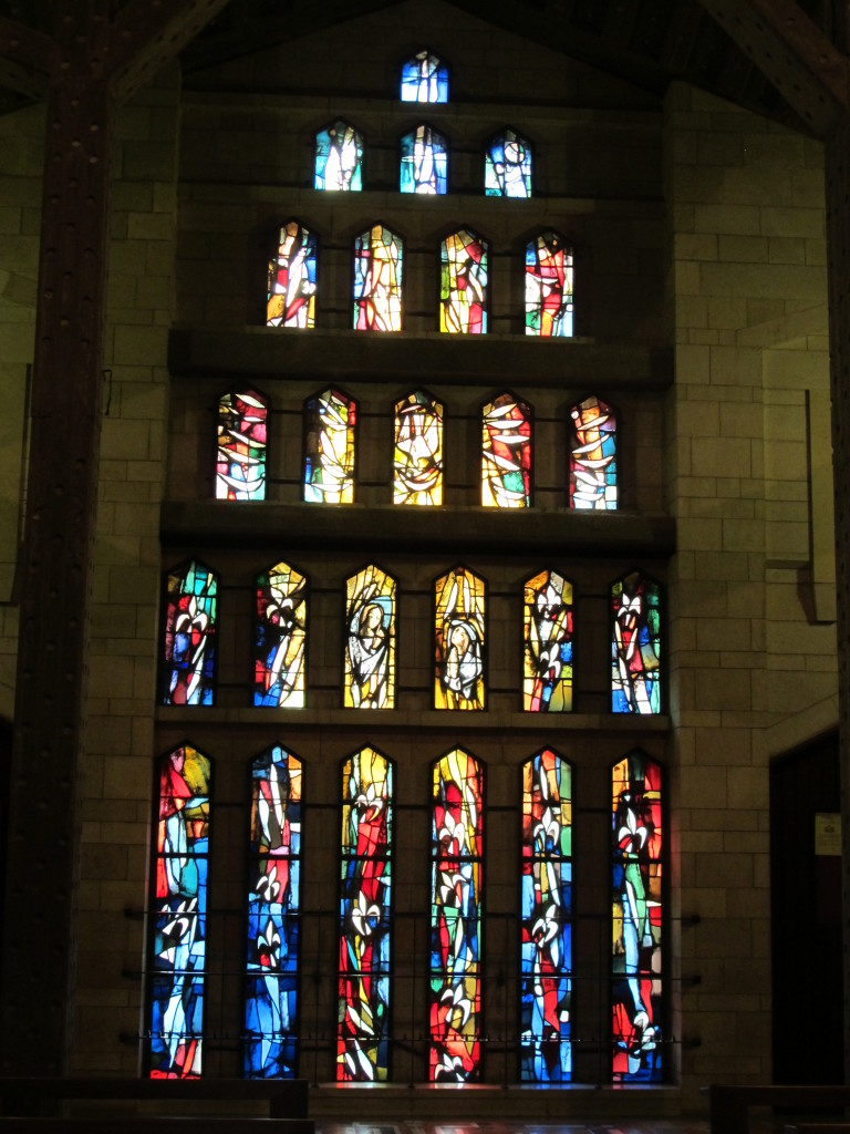 Quite a few nice stained glass.